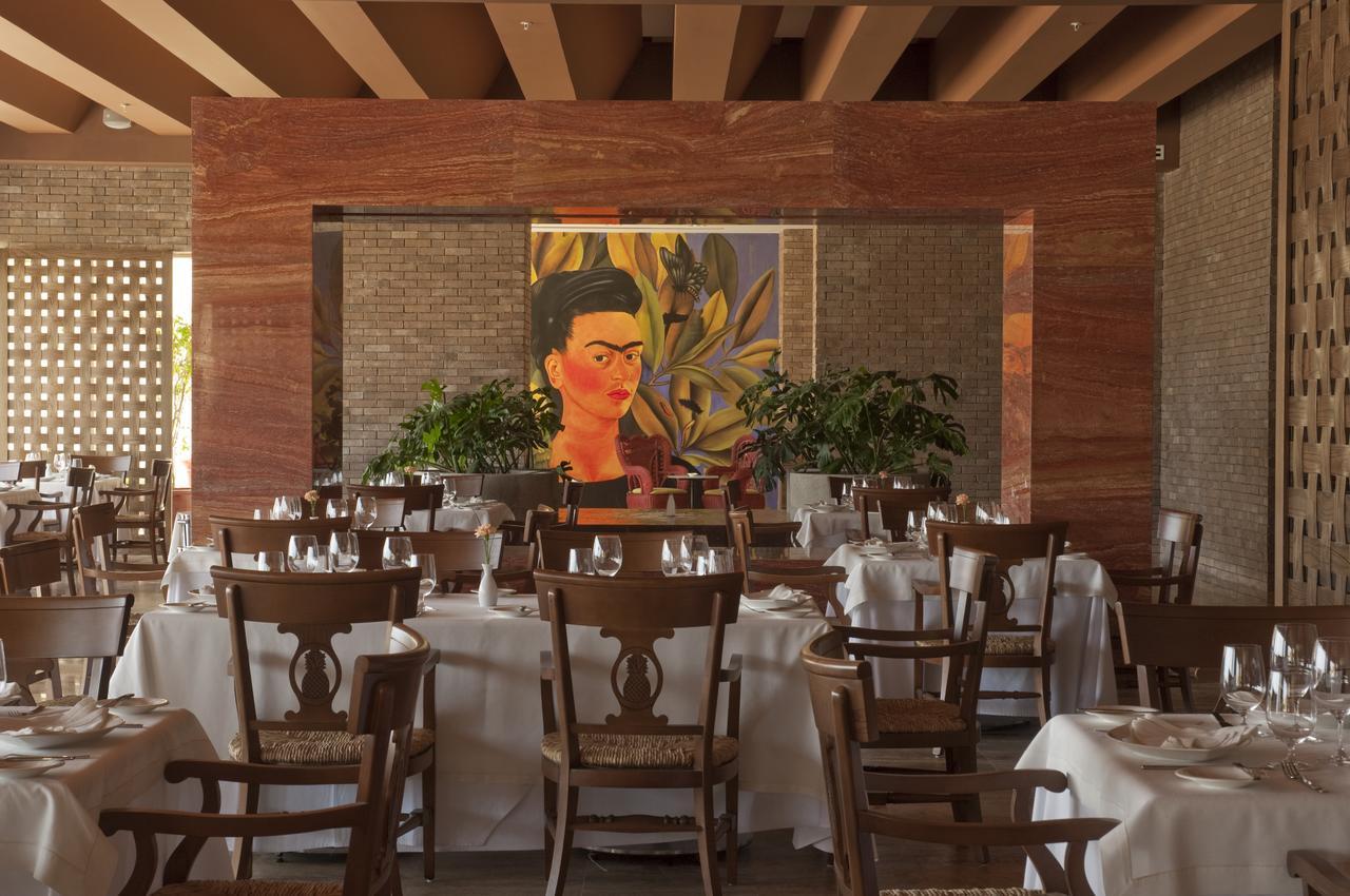 The ambassador dining