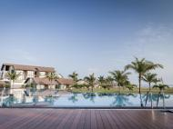 The Calm Resort & Spa, 4*