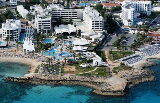 фото отеля Adams Beach изображение №1