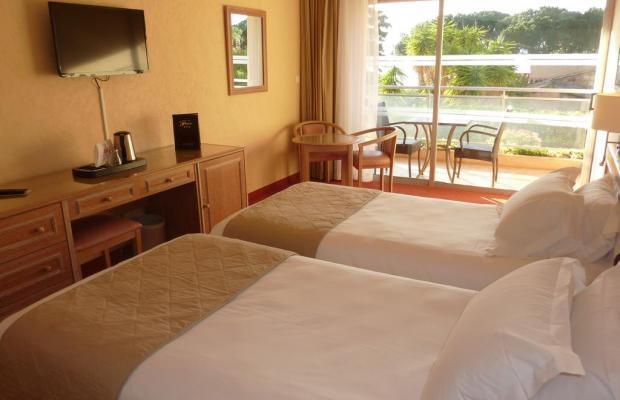 фотографии отеля La Pinede изображение №19