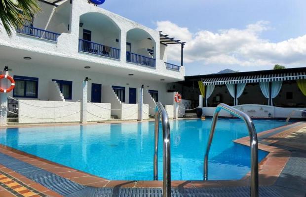 фото отеля Ariandi Blue Hotel изображение №1