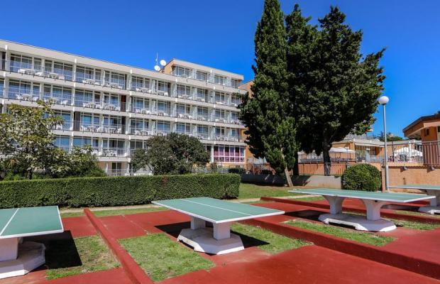фото отеля Holiday изображение №21