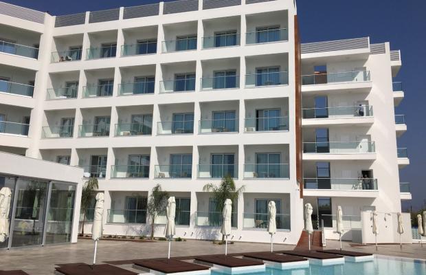 фото отеля Evalena Beach Hotel Apartments изображение №1