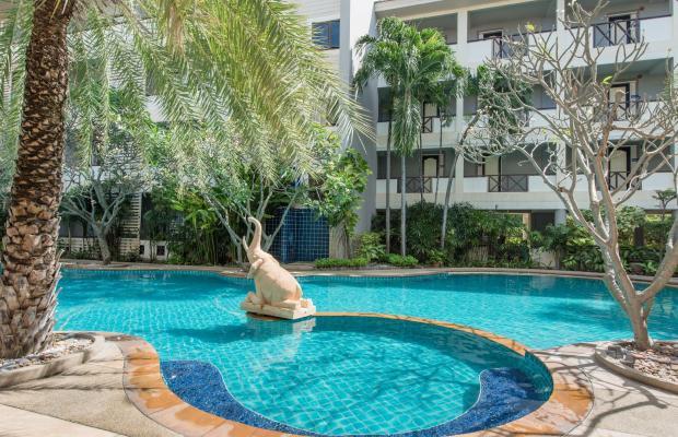 фото отеля Sea Breeze Jomtien Resort изображение №1