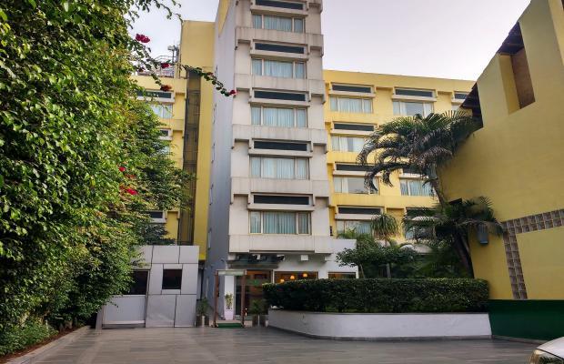 фото отеля Lemon Tree Hotel Udyog Vihar изображение №1