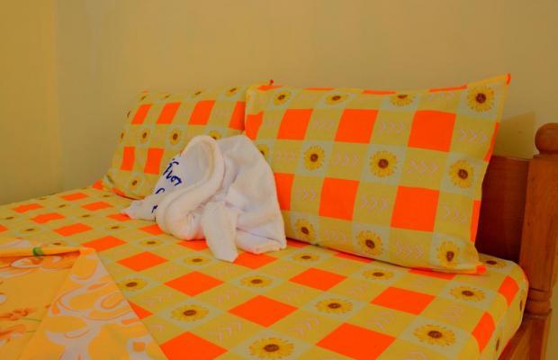 фото отеля White Beach Hotel Bar and Restaurant изображение №9