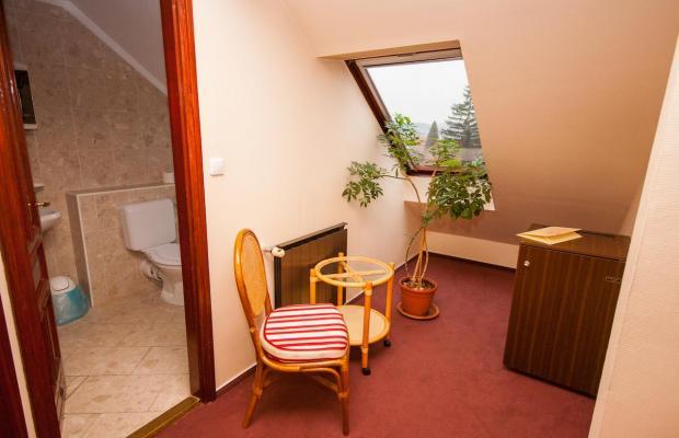 фотографии отеля Korona Etterem Panzio изображение №7