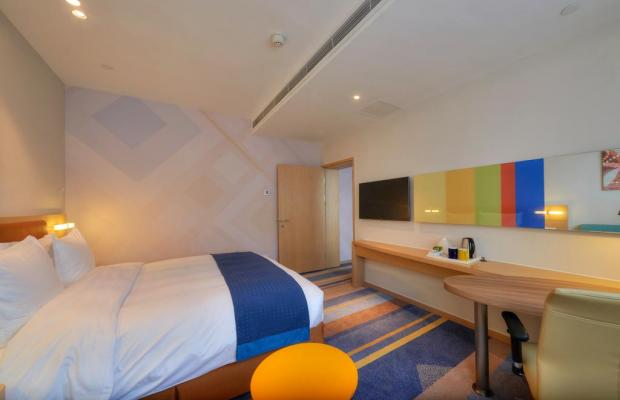 фото отеля Holiday Inn Express Shanghai Zhenping (ex. Shanghai Eastern Airline) изображение №21