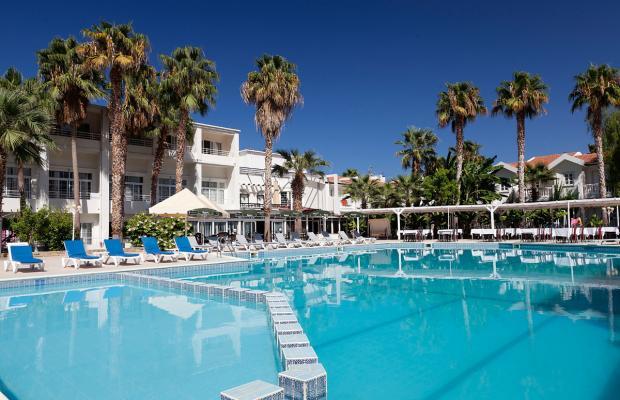 фото отеля LA Hotel & Resort изображение №1