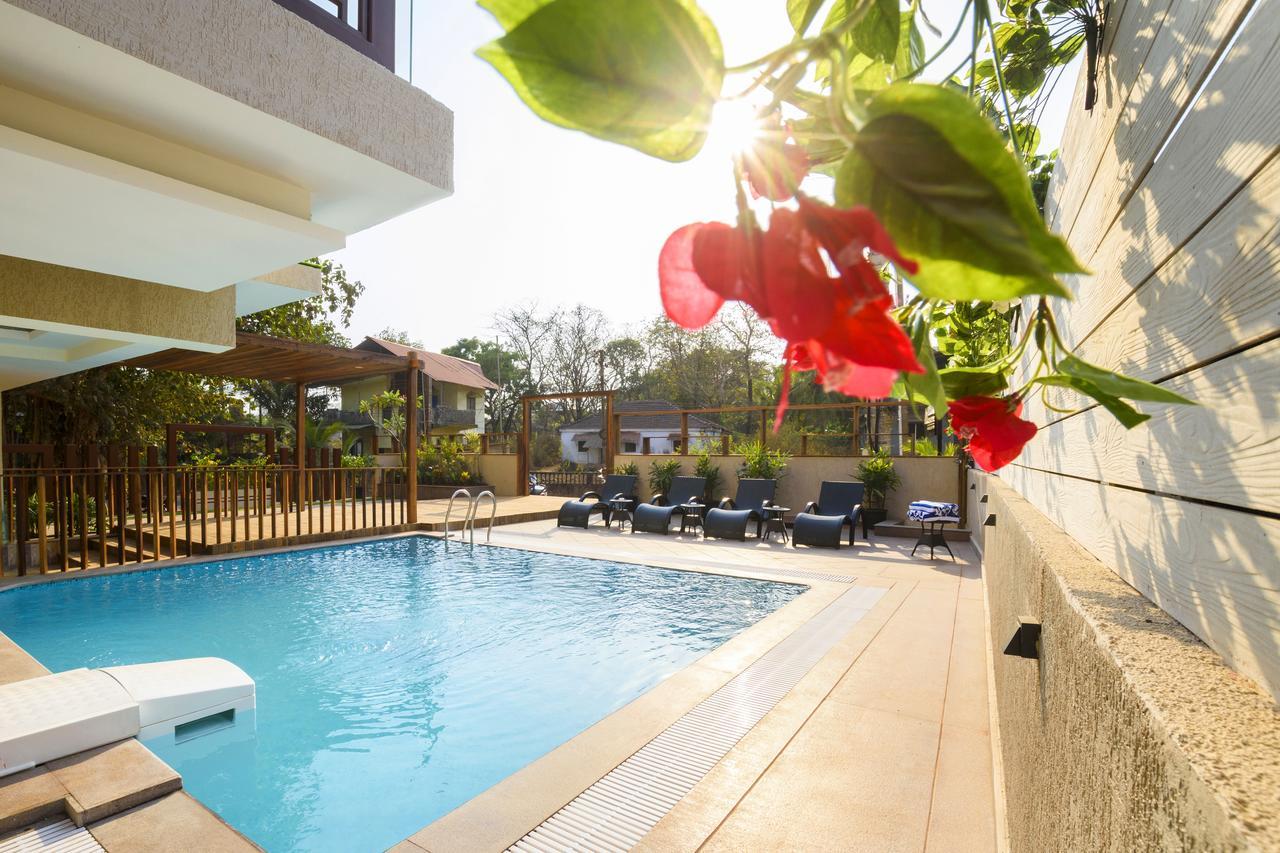 nearest hotel pool aga - HD1280×853